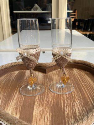 Χειροποίητα ποτήρια σαμπάνιας γάμου-αρραβώνα