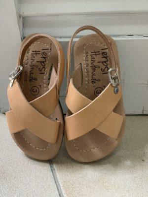 -paidiko-sandali-sandals-x-dermatino-leather-fusiko-xroma