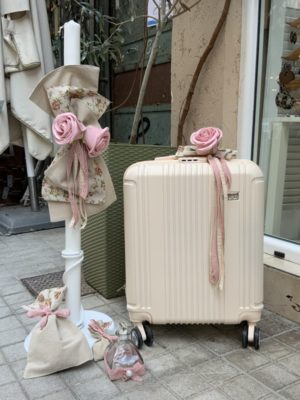 -vintage-paketo-vaptishs-koritsi-valitsa-louloudia-roz