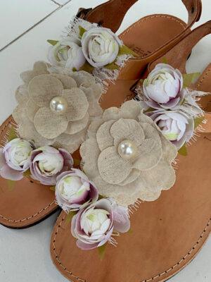 Δερμάτινα σανδάλια με λουλούδια
