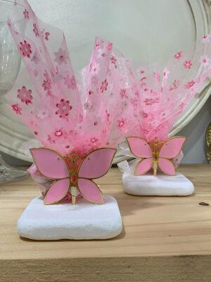 Μπομπονιέρα πεταλούδα σε πέτρα